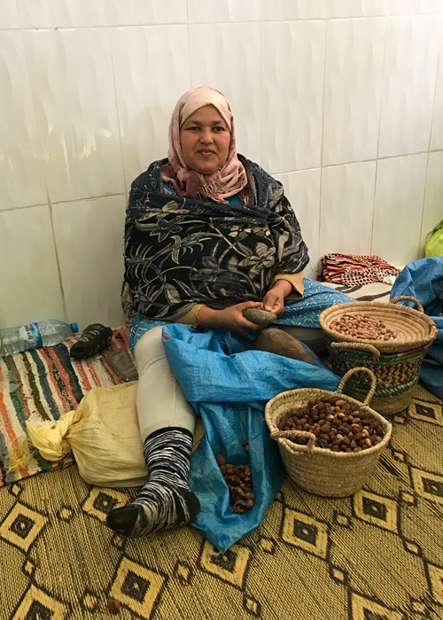 morrocan lady making argan oil