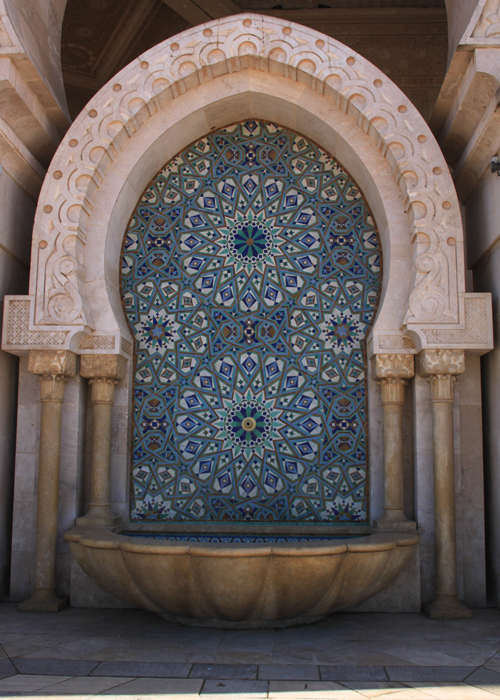 fountain at Hassan II Mosque in casablanca