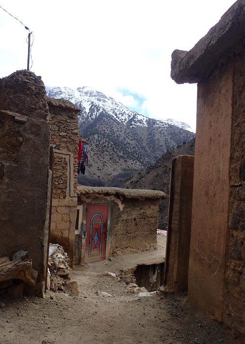 berber village on tizi mzik trail