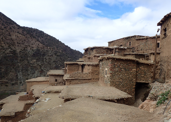 berber village on tizi mzik trail