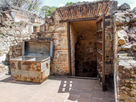 crypt at Santo Domingo