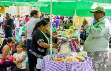 vendors at parque la merced