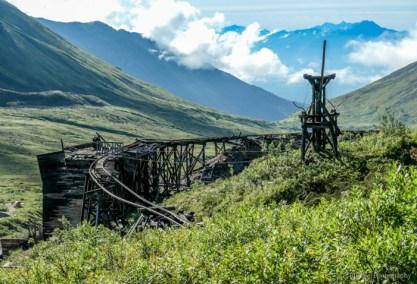 Independence Mine, hiking