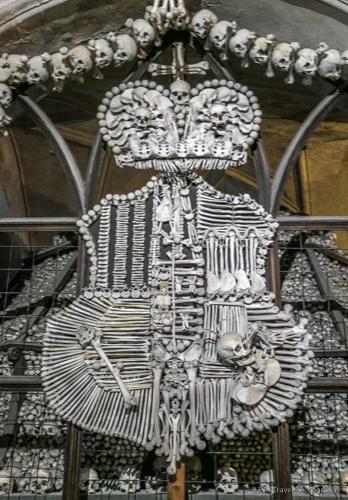 Family Crest in Sedlec Ossuary