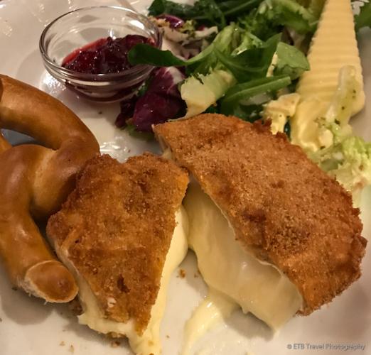 Baked brie at Pfefferstube in Nuremberg