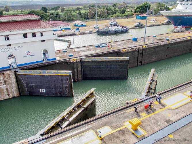 Gates closing at the Miraflores Locks on the Panama Canal
