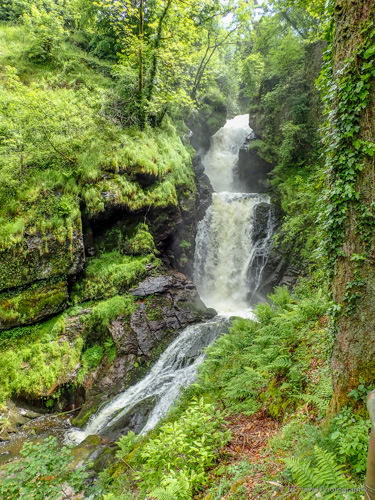 Waterfall at the base of Gimel-les-cascades