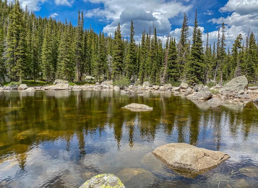 small lake on pawnee pass trail