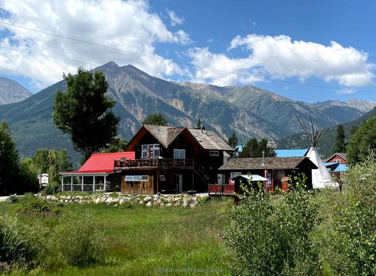 twin lakes roadhouse lodge