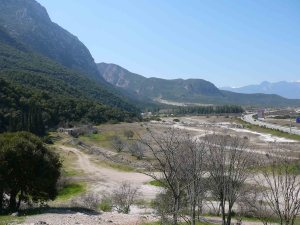 Thermopylae hills and plain: scene of Spartan bravery Photograph © Fkerasar, under license Wikimedia CC BY-SA 3.0