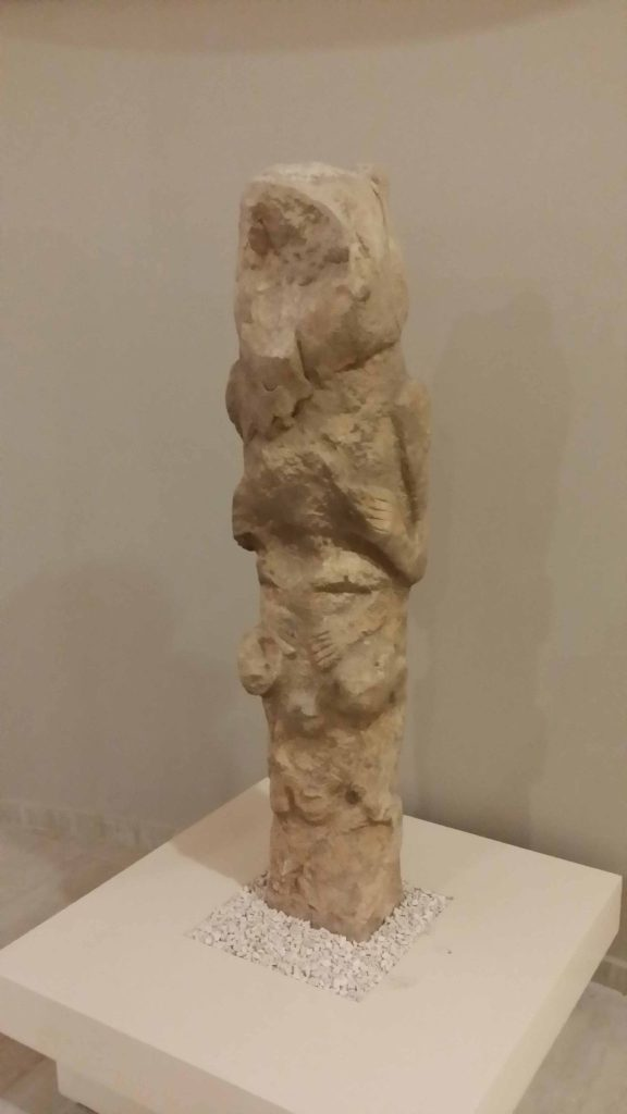 Stone totem pole from Gobli Tepe, Level II. Photo © Alkans Tours, Nicholas Kropacek
