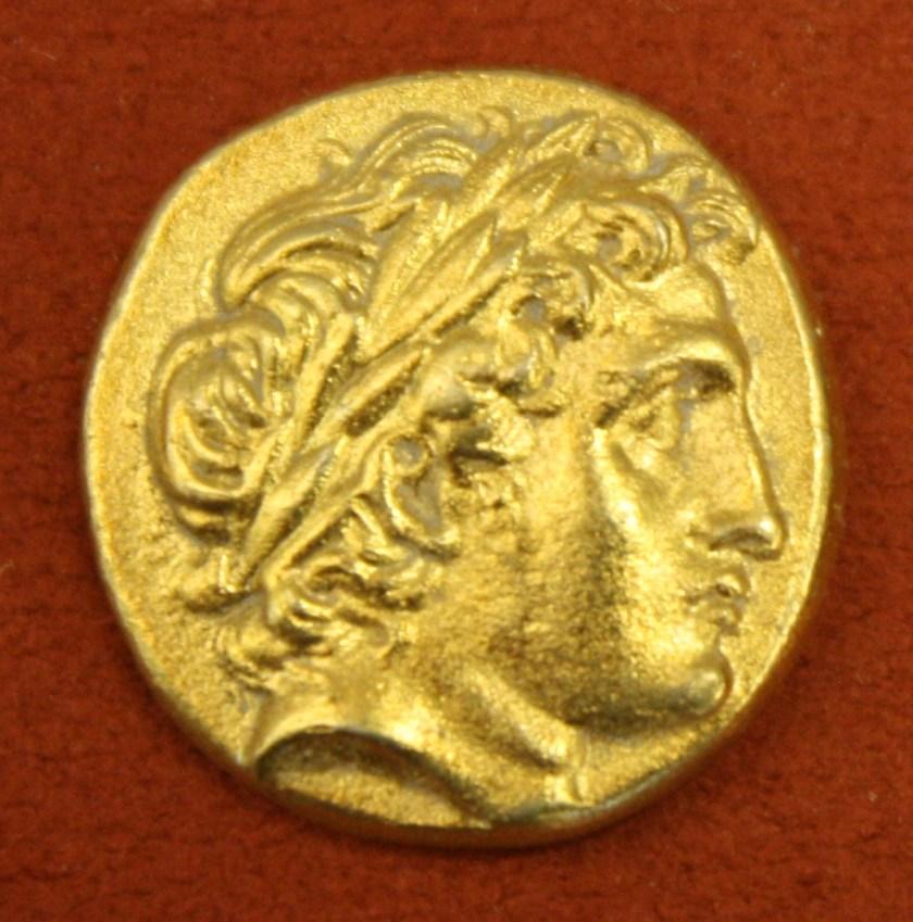 Macedonian Gold Stater, 359-336 BCE. O: Apollo, R: Charioteer. (Alpha Bank Numismatics Collection, Kerkyra, Corfu)