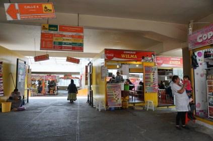 Dans une allée du mercado central.