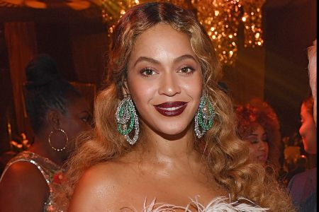 beyonce shares rare look at twins sir