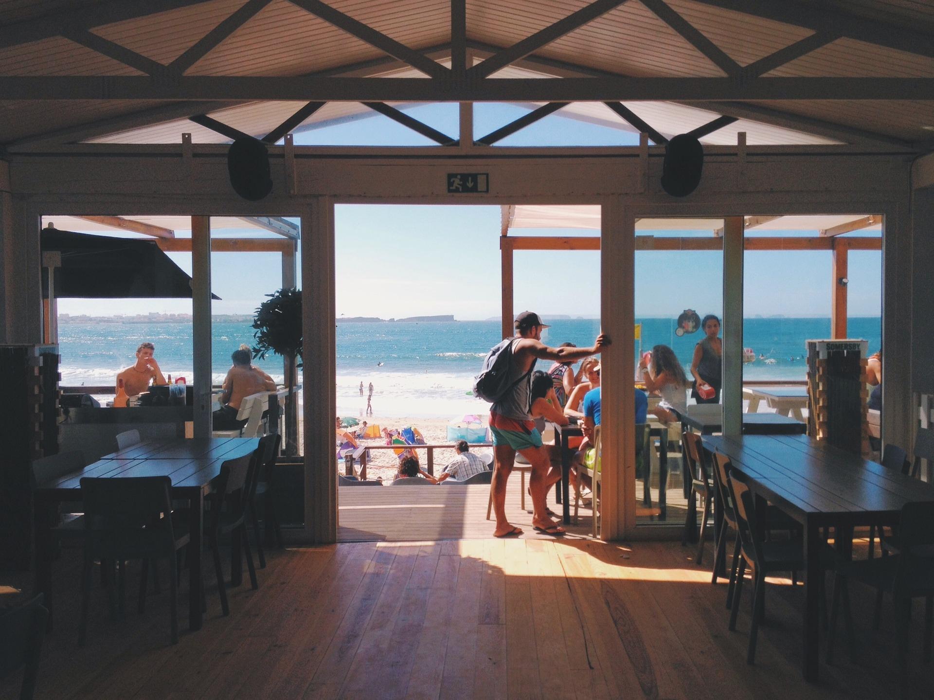 Een vergaderlocatie op het strand huren