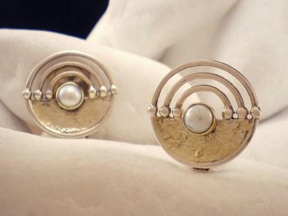"""""""Lacedaemonian"""" Pearl Clip-On Earrings - A.LeONDARAKIS"""