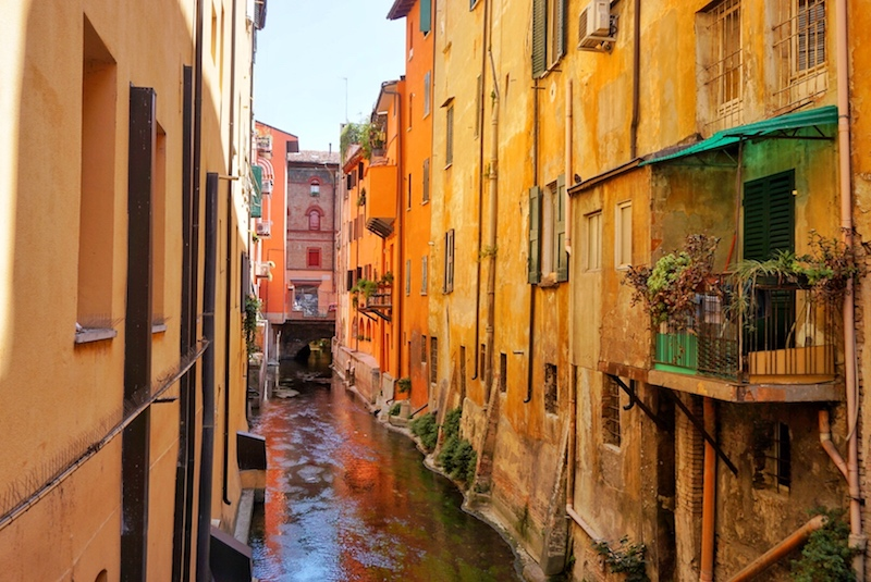 The canal of Bologna - orange houses and water