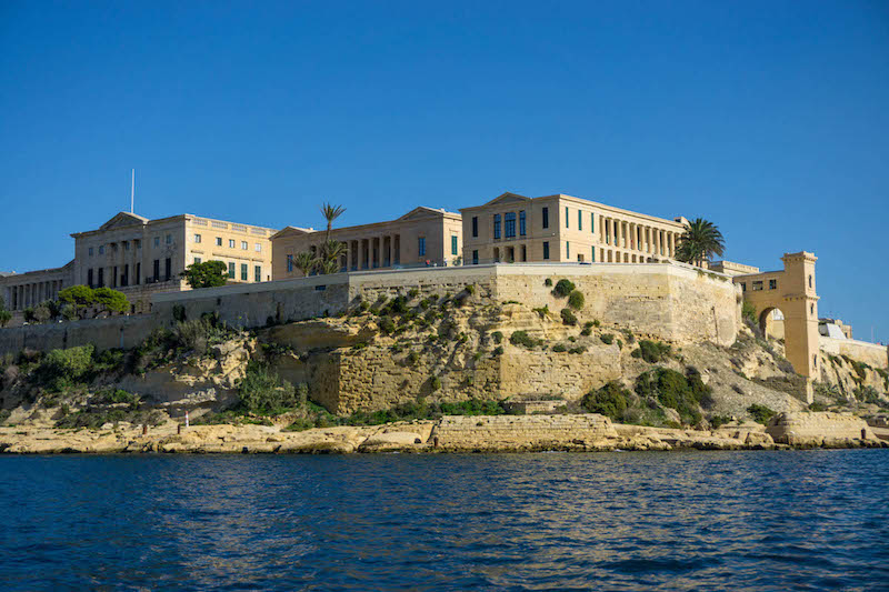 What to do in Malta? A scenic boat ride, naturally