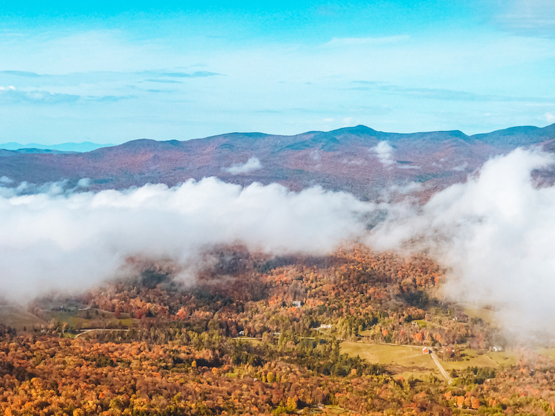 view from stowe pinnacle in the fall