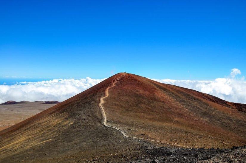 summit of mauna kea the tallest mountain in hawaii