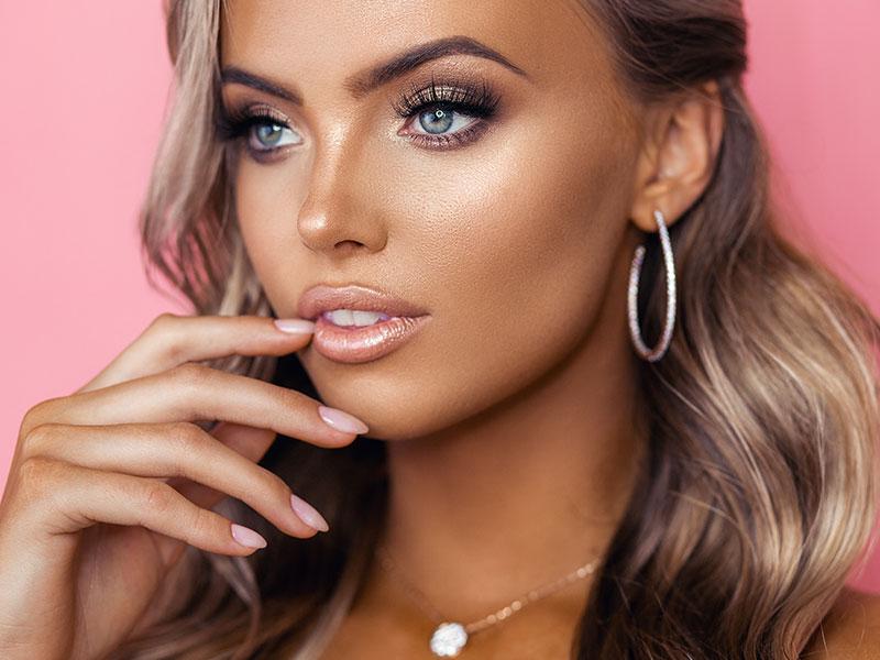 Hybrid Lashes On Beautiful Model