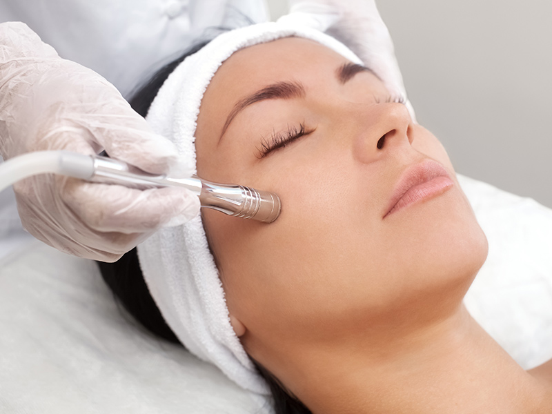 Microdermabrasion Beauty School Training Course