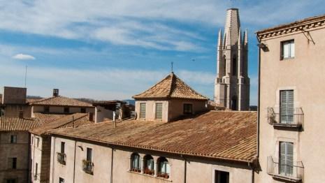 El campanario que indica el camino Sant Feliu