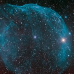 Estrela de Wolf Rayet alimenta a nebulosa azul de bolha Sharpless 308