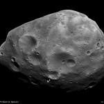 ESA: A sonda Mars Express libera imagens do seu rasante sobre Fobos