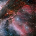 WR 22: Massiva estrela de Wolf Rayet destaca-se na colorida nebulosa Carina