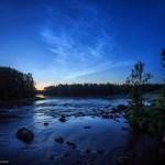 Nuvens noctilucentes em céus escuros da Suécia por P-M Hedén
