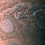 Arte Joviana: uma nuvem oval de alta pressão sobre Júpiter capturada pela sonda Juno