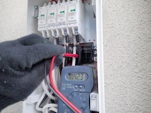 京都府城陽市 太陽光発電設置工事 接続箱