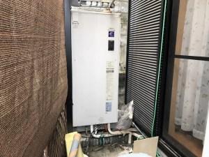 故障した電気温水器