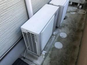エアコンの室外機の取り外し