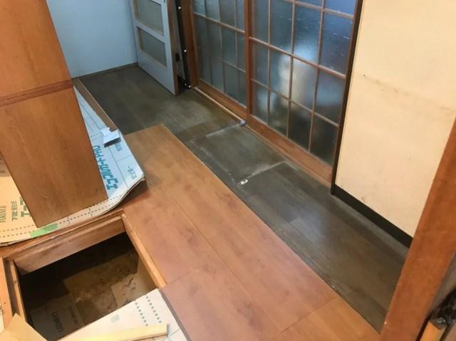 台所の床を重ね張り