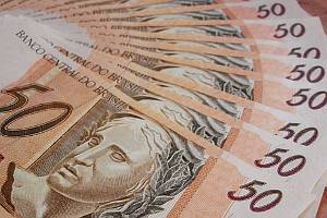 Emerging markets local currency bond ETFs get a boost from Brazil