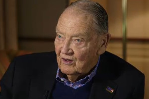 Vanguard founder John Bogle: Buy and hold total market ETFs is preferred strategy