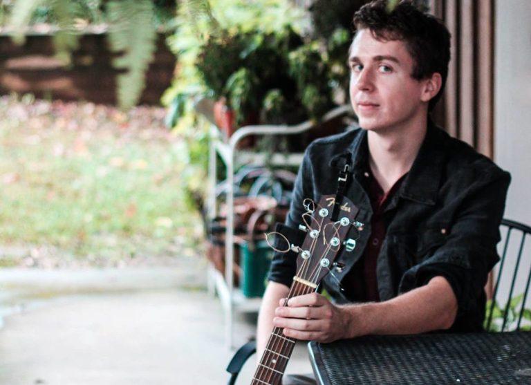 Acousitc Lo-fi Indie Folk Singer-Songwriter