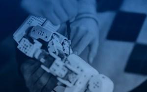 Hands repairing robot