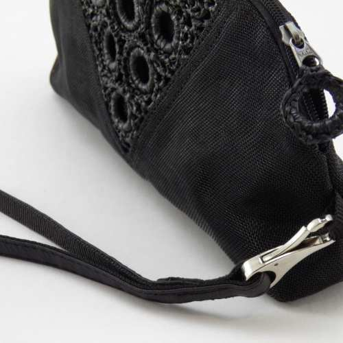 Serif – Eco-friendly Clutch Bag Wrist-strap