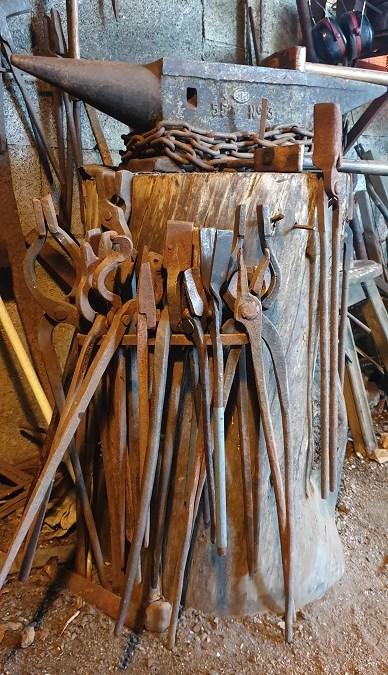 Révélations sur les couteaux artisanaux corses