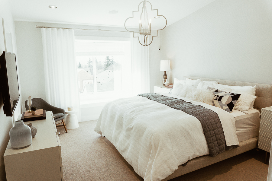 south-surrey-real-estate-master-bedroom
