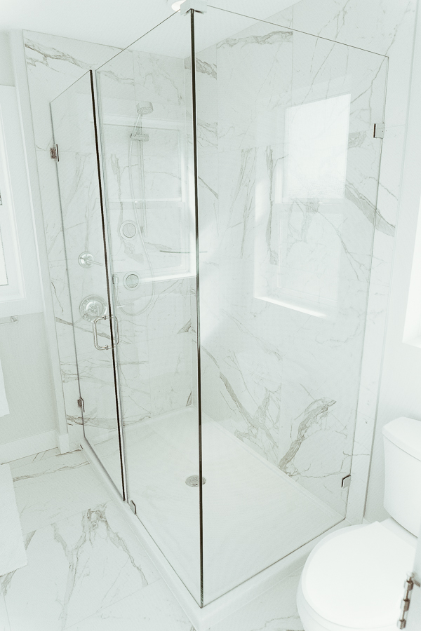 south-surrey-real-estate-master-shower