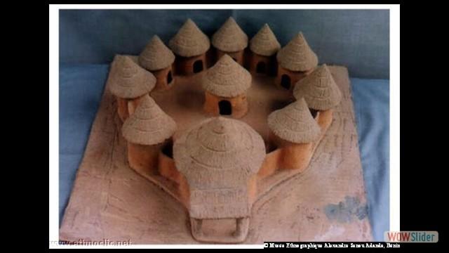 Maquette de cases dans les villages Otamari (Bénin)