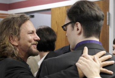 Eddie Vedder, Damien Echols