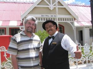 "With Johnny Theunissen, the ""mayor"" of Matjiesfontein, which features in In stede van die liefde."
