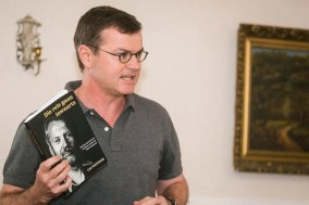Cas Wepener (University of Pretoria) spoke about his book Die reis gaan inwaarts. (Photo: Amy Coetzer)