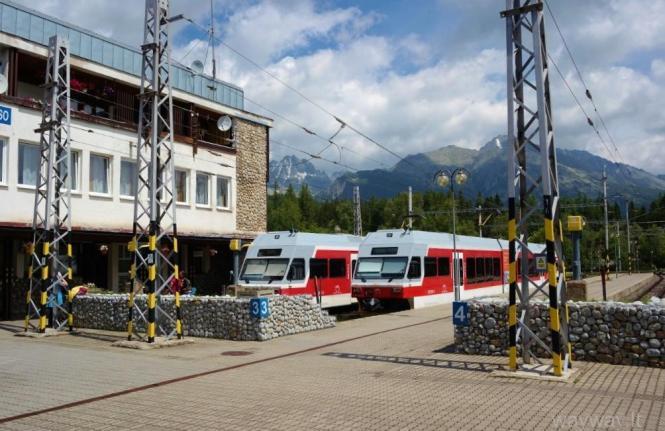 slovakija-aukstieji-tatrai-nuo-strbske-pleso-sturmuojame-kalno-virsune-predne-solisko