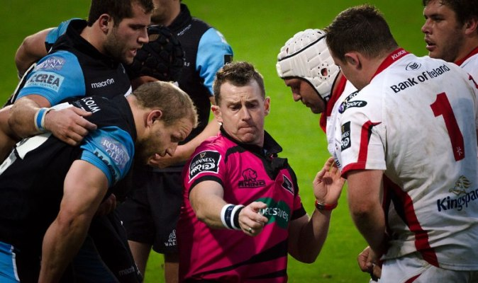 Nigel Owens officiating Ulster vs. Glasgow Warriors in October 2014. Courtesy of Wikimedia Commons